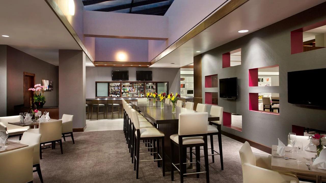 Dining Room, Hyatt Regency Deerfield, Illinois